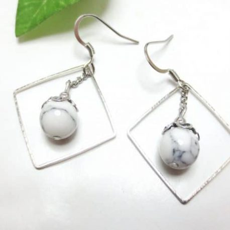 Boucles fines Howlite Square